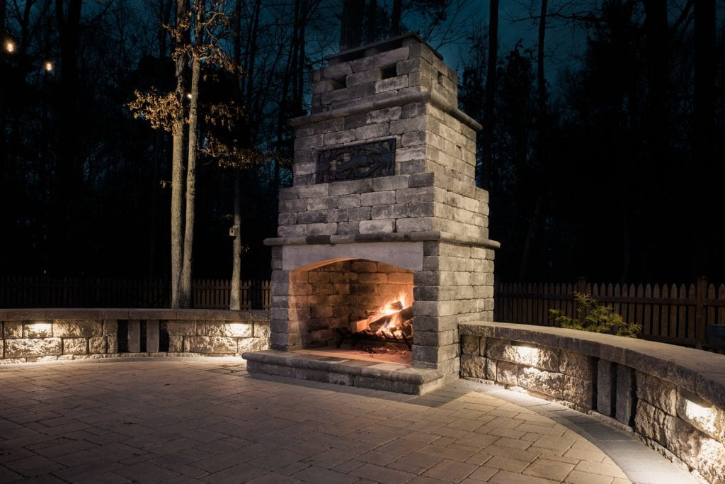 Glen Allen Grounds fireplace and patio
